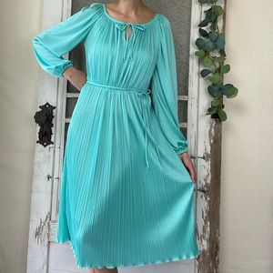 Vintage 70s Wendy One Accordian Pleated Midi Dress